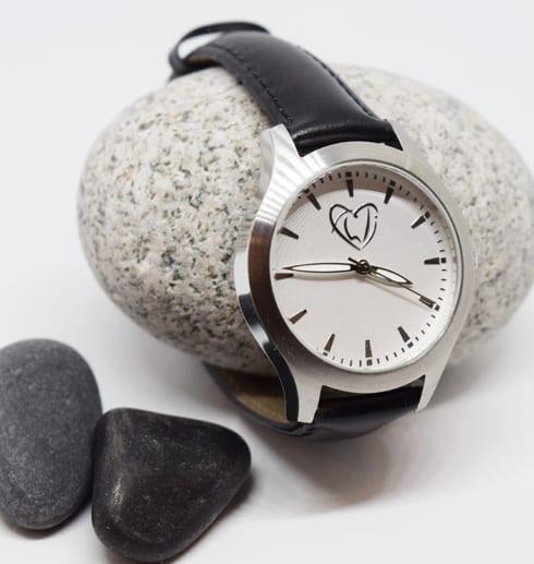 klocka på sten