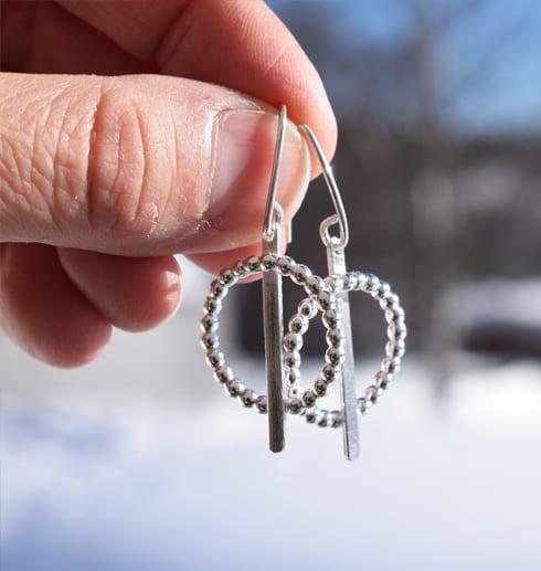 örhängen i silver i